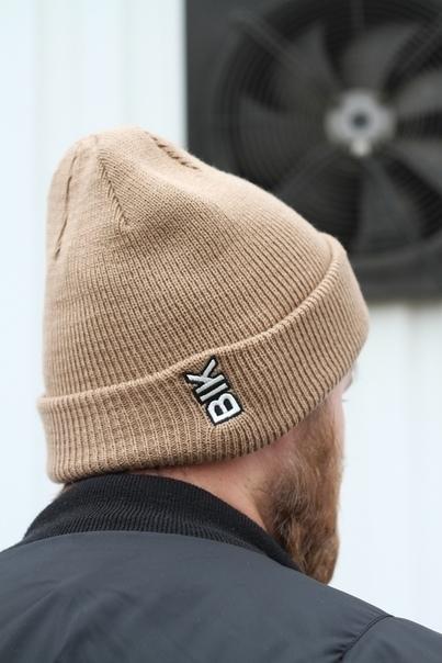 Blk Crown Шапка Vertical logo (cappucchino)