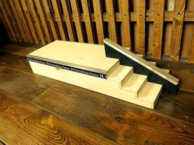 ФБР - деревянные фигуры для фингербординга Бокс с лестницей +rail